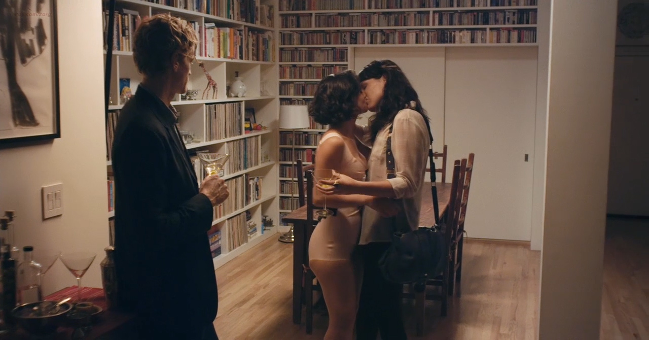 Desiree akhavan nude appropriate behavior