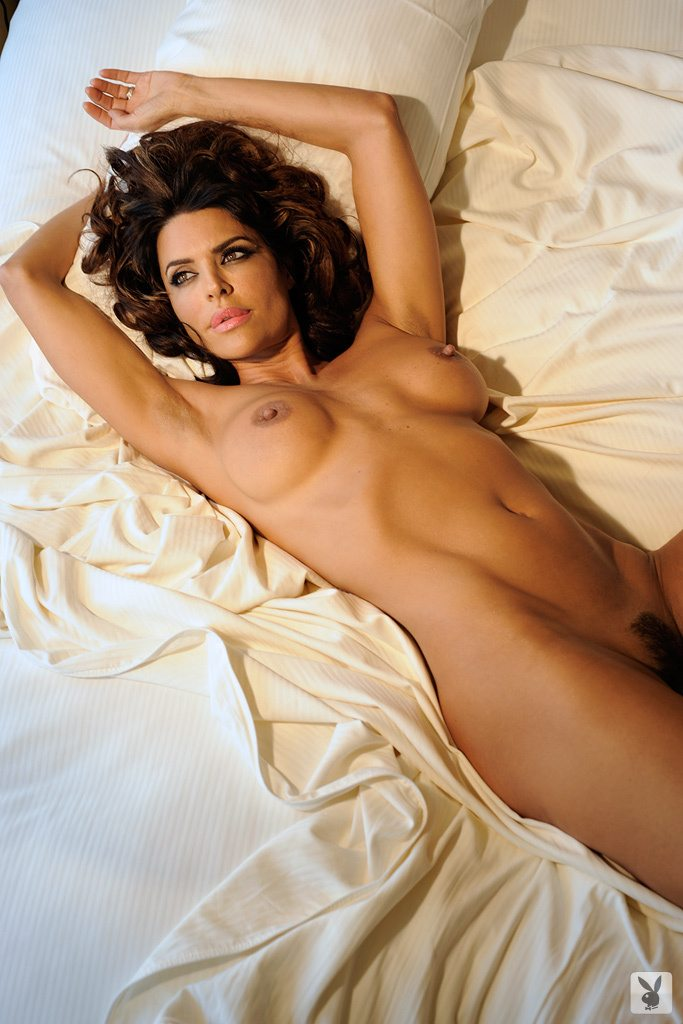 lisa-rinna-naked-playboy-pics-sex-live-chat