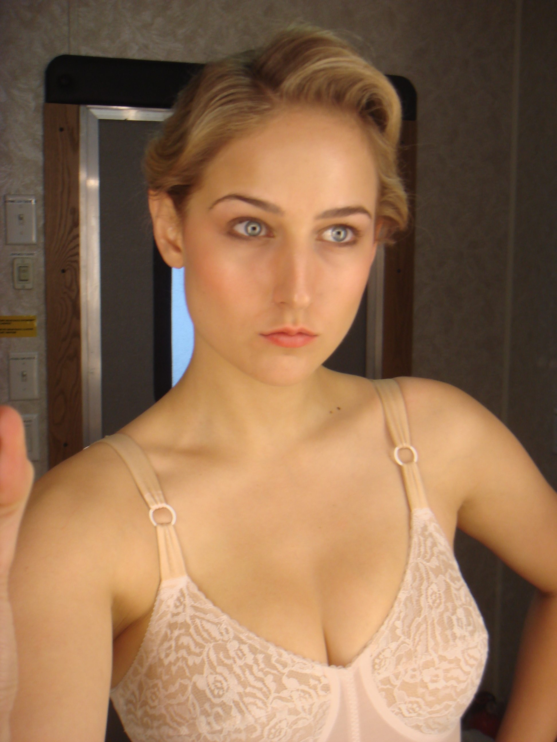 Best nude images of leelee sobieski porn actress photos 651