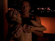 Nip/Tuck-Girl in Bar
