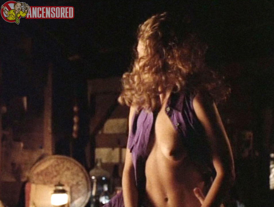 Lisa robin kelly topless